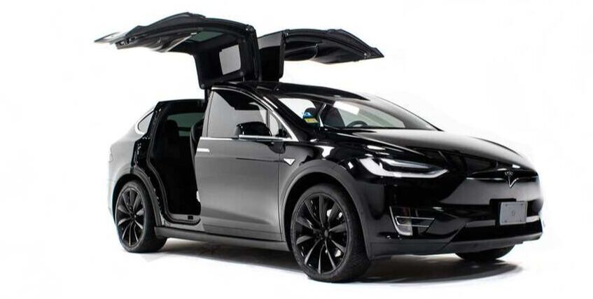AUTOTINT technology  is smart glass (Electrionic Tinting Windows) designed for Tesla Model X